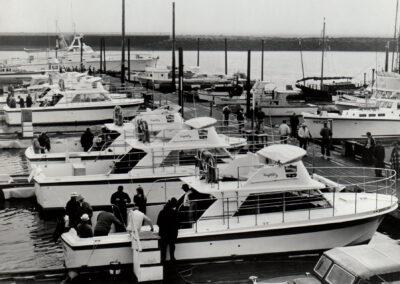 Uniflite Boat Manufacturer
